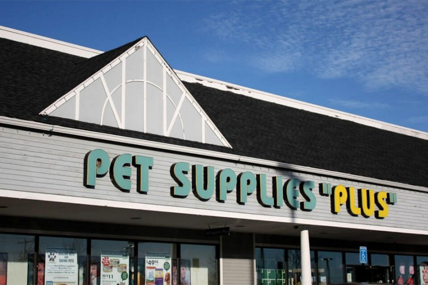 Storefront of Pet Supplies Plus
